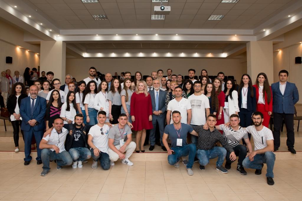 Второй Всероссийский межнациональный молодежный фестиваль «Крымский маяк 2.0», панельная дискуссия. День 2, 30 апреля 2018