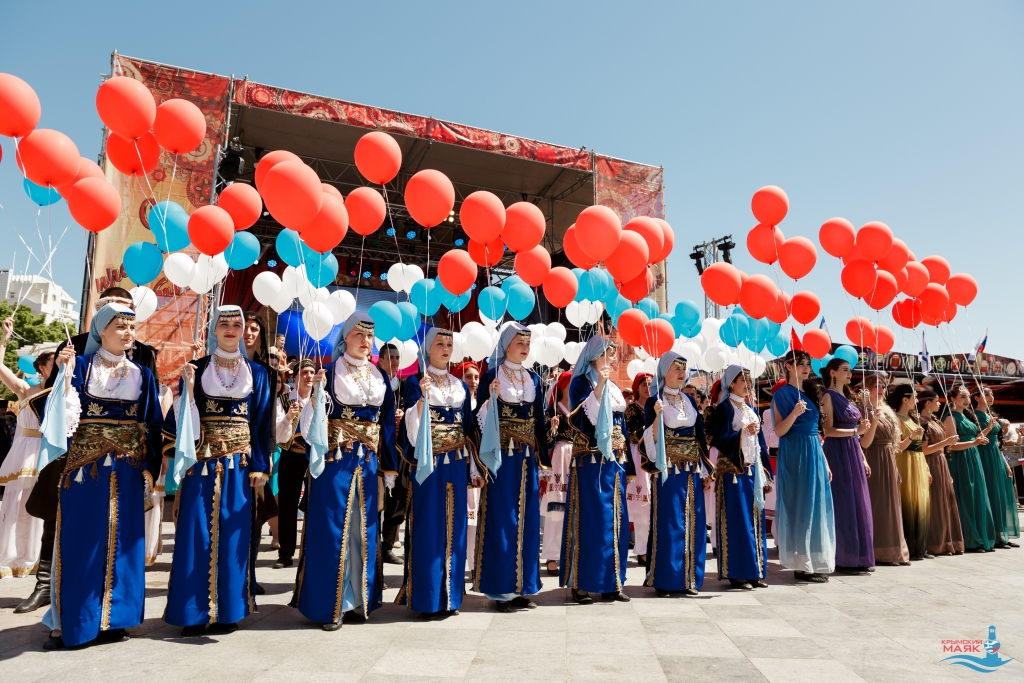 "The second All-Russian international youth festival ""Crimean lighthouse 2.0"", a concert. Day 3, May 1, 2018"