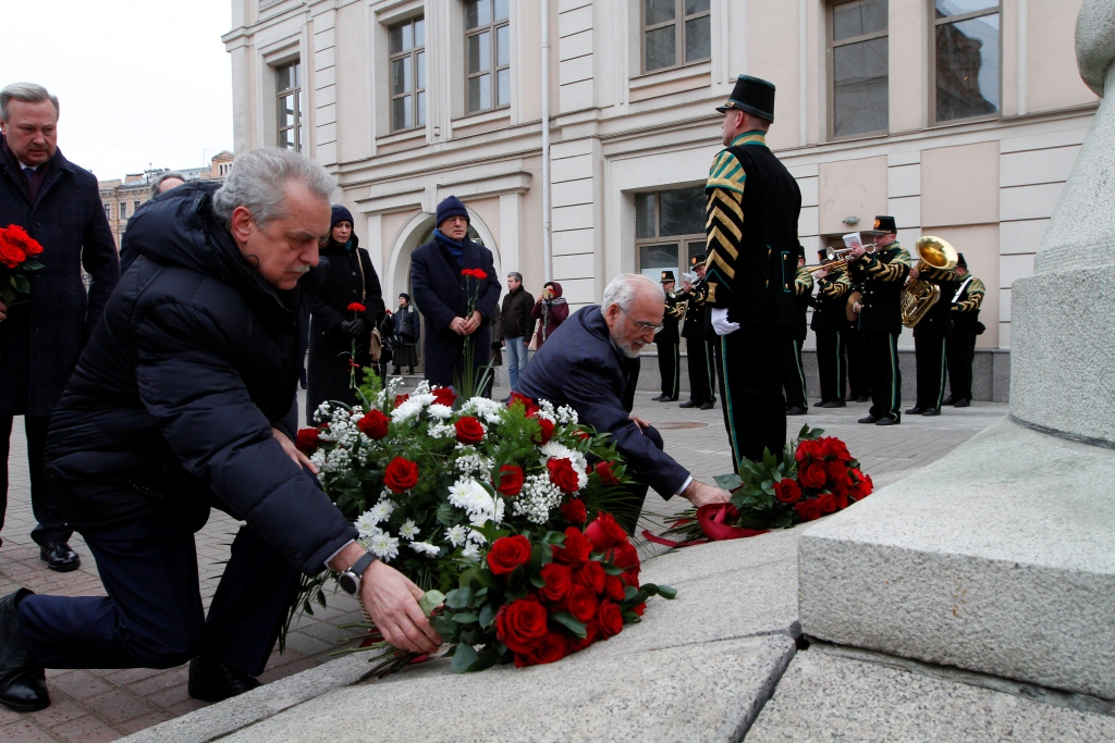 Церемония возложения цветов от греческой диаспоры России к памятнику Иоанниса Каподистрии в г. Санкт-Петербурге, 18 ноября 2018