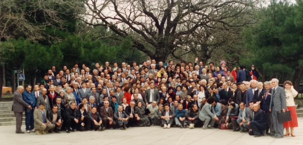 29-31 марта 1991 год. Коллективная фотография делегатов исторического съезда греков СССР в Геленджике
